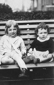 Sisters Marilyn and Merlie Strei
