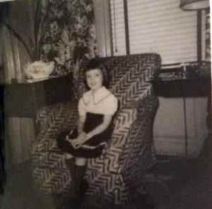 Tara in Minnie's apartment, circa 1952