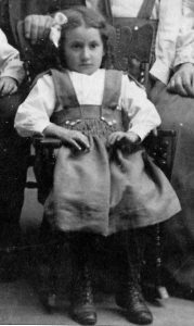 Rosie Feldman at 7 years old in 1907
