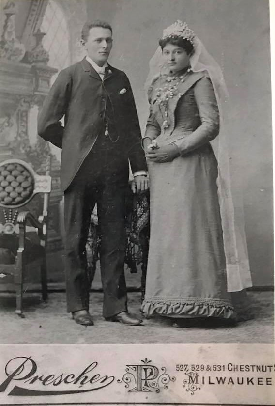 Morris and Esther Feldman's wedding photo