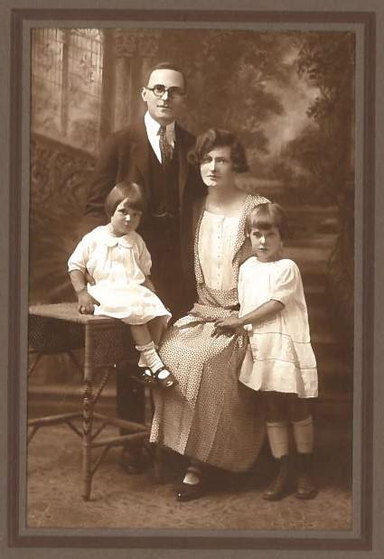Abe Kessler and Family 1929