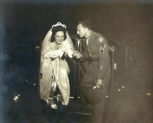 PopMom Wedding